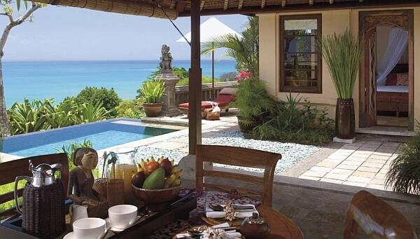 Four Seasons Jimbaran Bay terrace and plunge pool