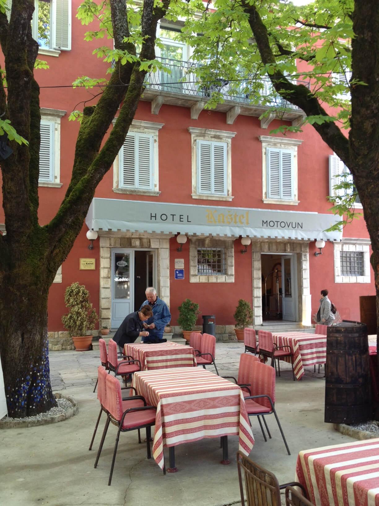 Facade of the Hotel Kastel