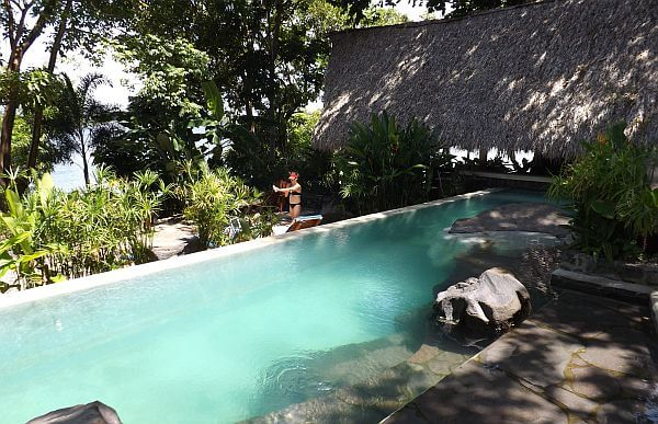 jicaro island lodge pool