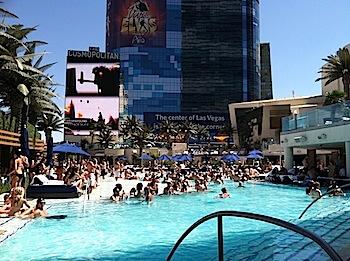 Cosmopolitan Boulevard Pool