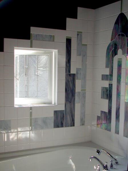 Art Deco tub, Corkscrew Inn, Vancouver, British Columbia, Canada