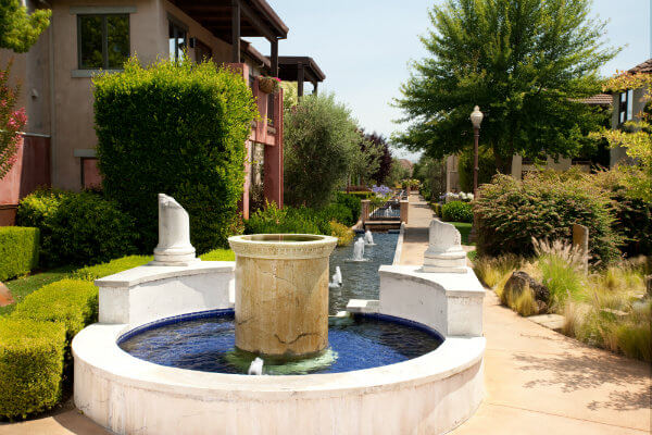 Villagio Inn Fountains