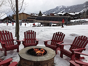 Four Seasons Jackson Hole lounging