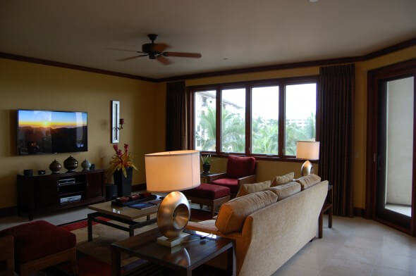 Wailea Beach Villa living room