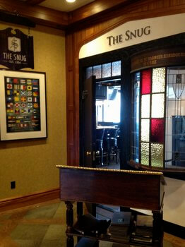 The Snug pub, Oak Bay Beach Hotel, Victoria BC Canada