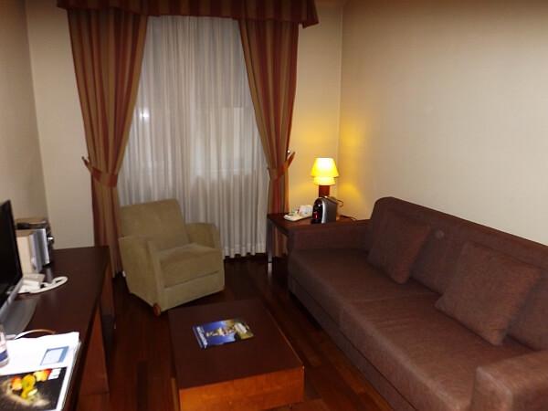NH Sanvy Madrid suite