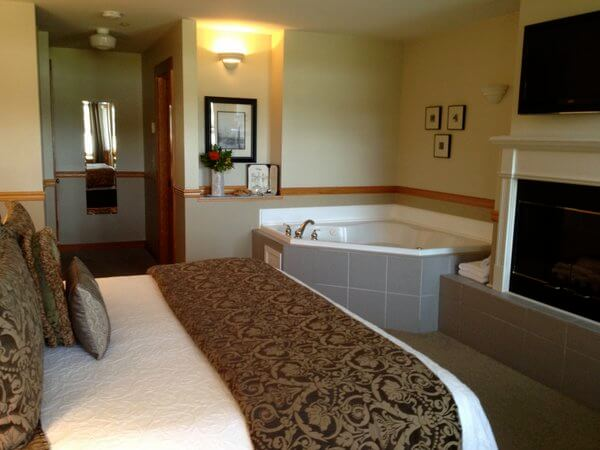 Guest room, Wild Iris Inn, LaConner, Washington
