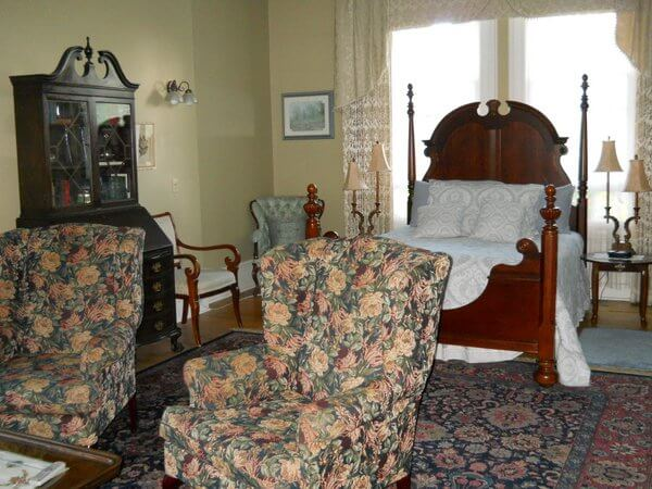 Bellinger room, Hillcrest House B&B, Waterloo, Ontario, Canada