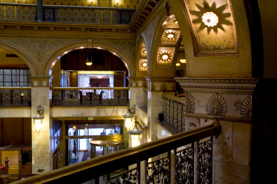 Denver 39 s historic brown palace hotel spa for Hotel dauly bron
