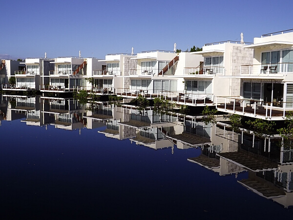 Blue Diamond hotel review