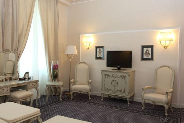 A deluxe twin room at the Grand Hotel Continental in Bucharest, Romania (photo courtesy of the hotel)