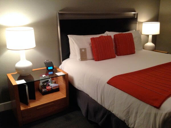 Guest room, Hotel Max, Seattle Washington