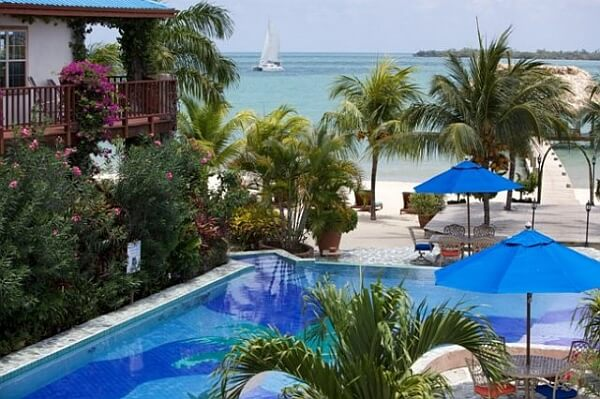 Belize swimming pools