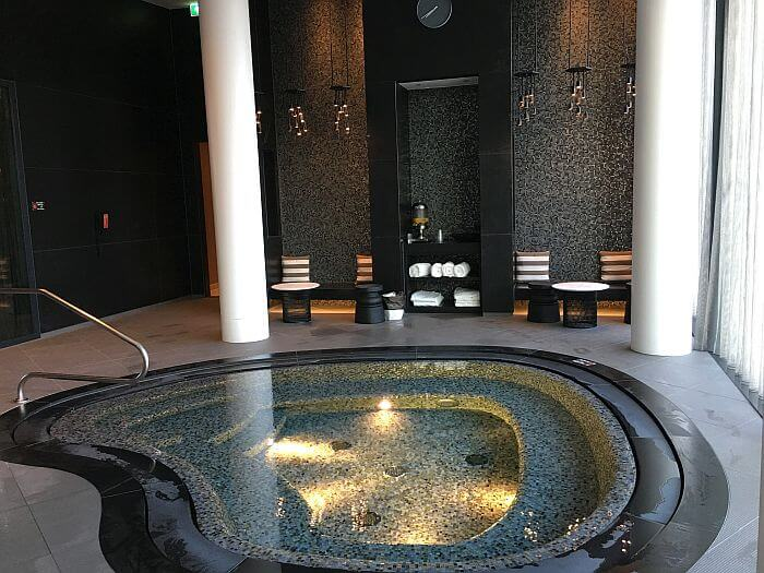 Hilton Amsterdam Airport Schiphol hot tub