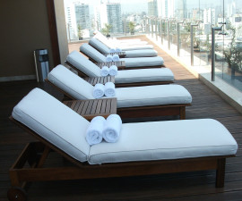 Rooftop lounging and swimming at the Lima Hilton Miraflores