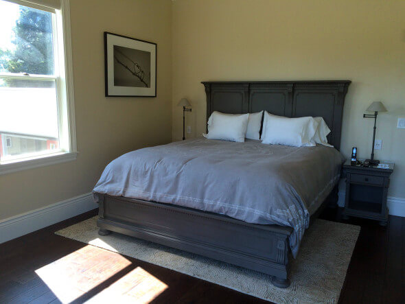 The king bed in the Howell Mountain room