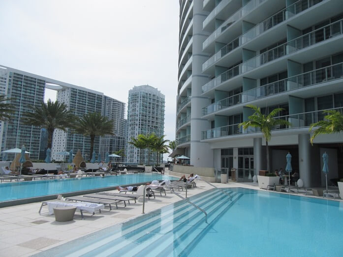 going uptown at the epic hotel in downtown miami. Black Bedroom Furniture Sets. Home Design Ideas