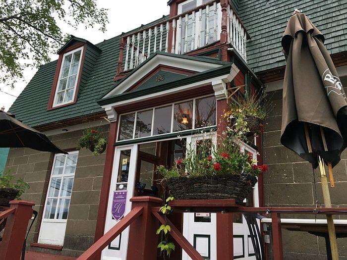 La Maison William Wakeman entrance