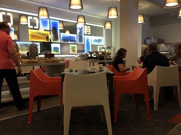 Breakfast room, Hotel Torremayor Providencia, Santiago, Chile
