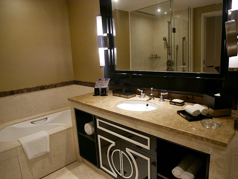 bathroom-sheraton-grand-macau