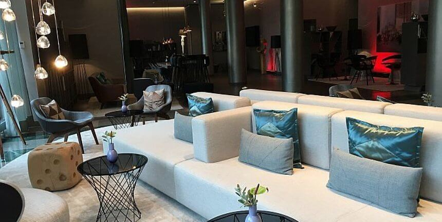 Le Meridien Hamburg lobby furnishing