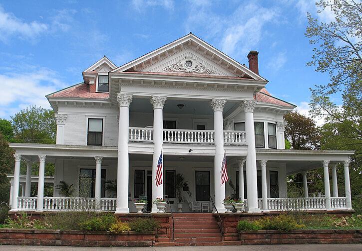 Laurium Manor Inn, Laurium, Michigan (Photo by Susan McKee)