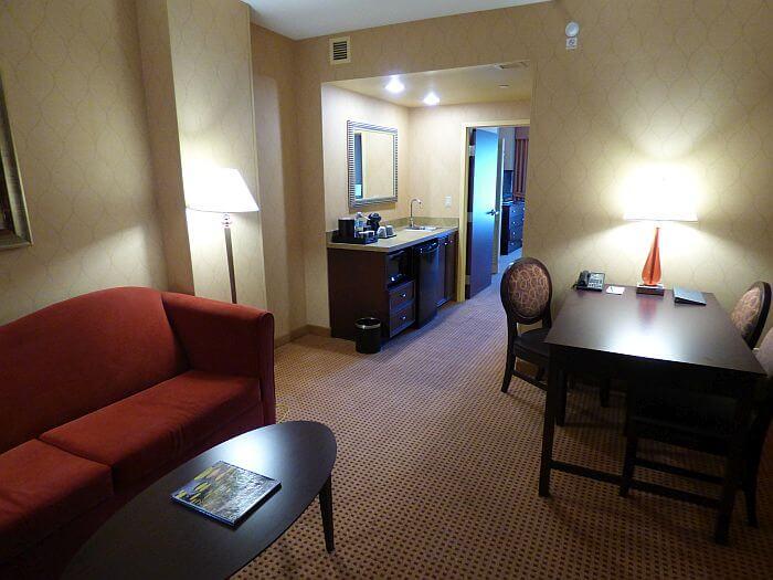 living room Embassy Suites Huntsville