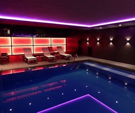 Hotel Privilege Tirana indoor pool