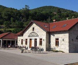 Gastonica Zavala review Bosnia