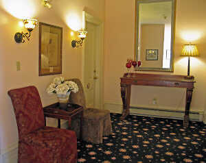 The second floor hall of the Tattingstone Inn has quiet places to sit and read. (Photo by Susan McKee)