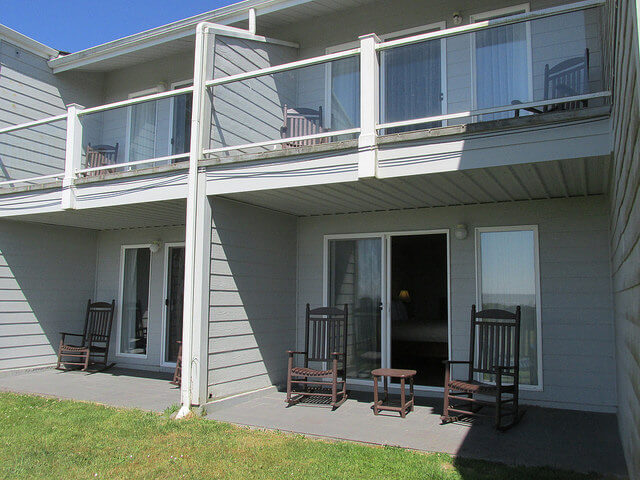 ocean view rooms, pacific reef hotel, gold beach, oregon coast, pet-friendly hotel