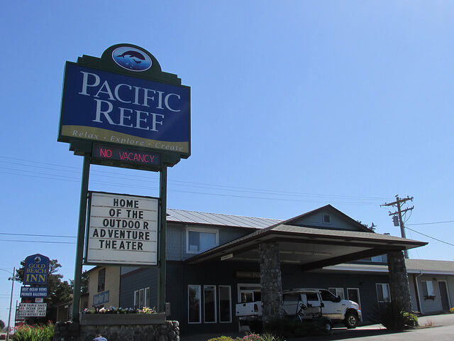 pacific reef hotel, gold beach, oregon, pet-friendly hotel