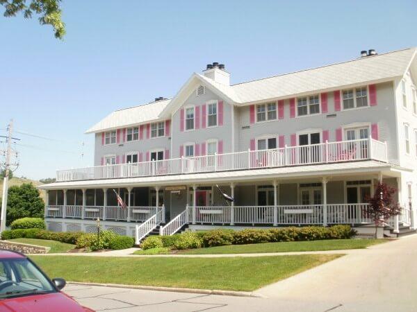 Grand Getaways at Harbor House Inn