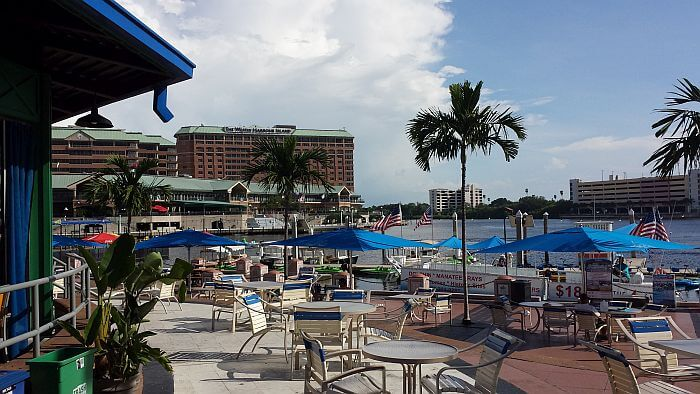 hotels walking distance to Tampa Convention Center