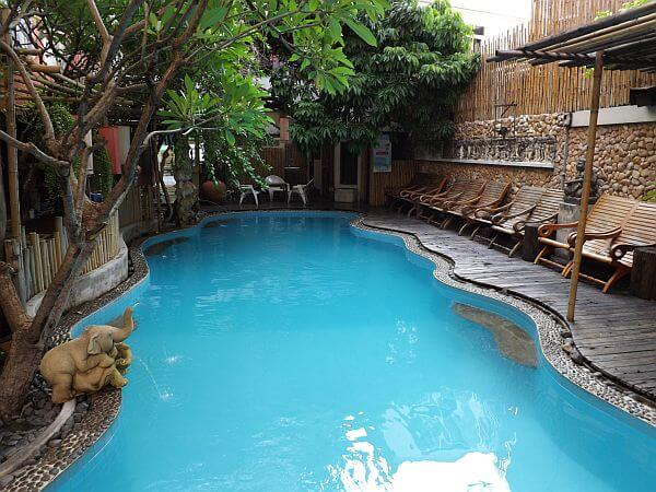 Bangkok $50 hotel with pool