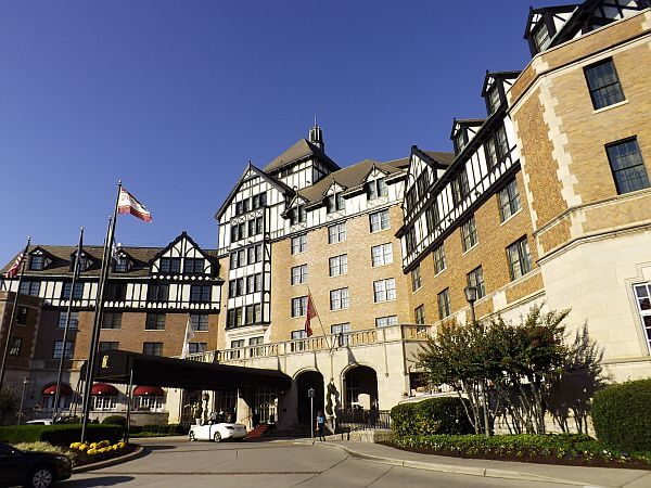 Hotel Roanoke Curio by Hilton