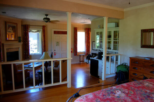 Luxury cottages at the Wine Country Inn offer ample space