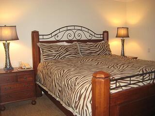 """""""Saratoga Oaks Toyon Suite"""""""