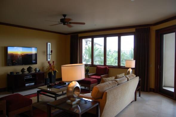 Wailea Beach Villa living room