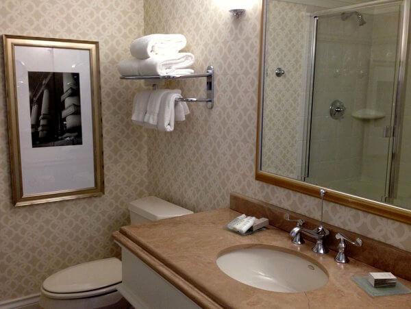 Bathroom, Magnolia Hotel, Victoria, BC, Canada