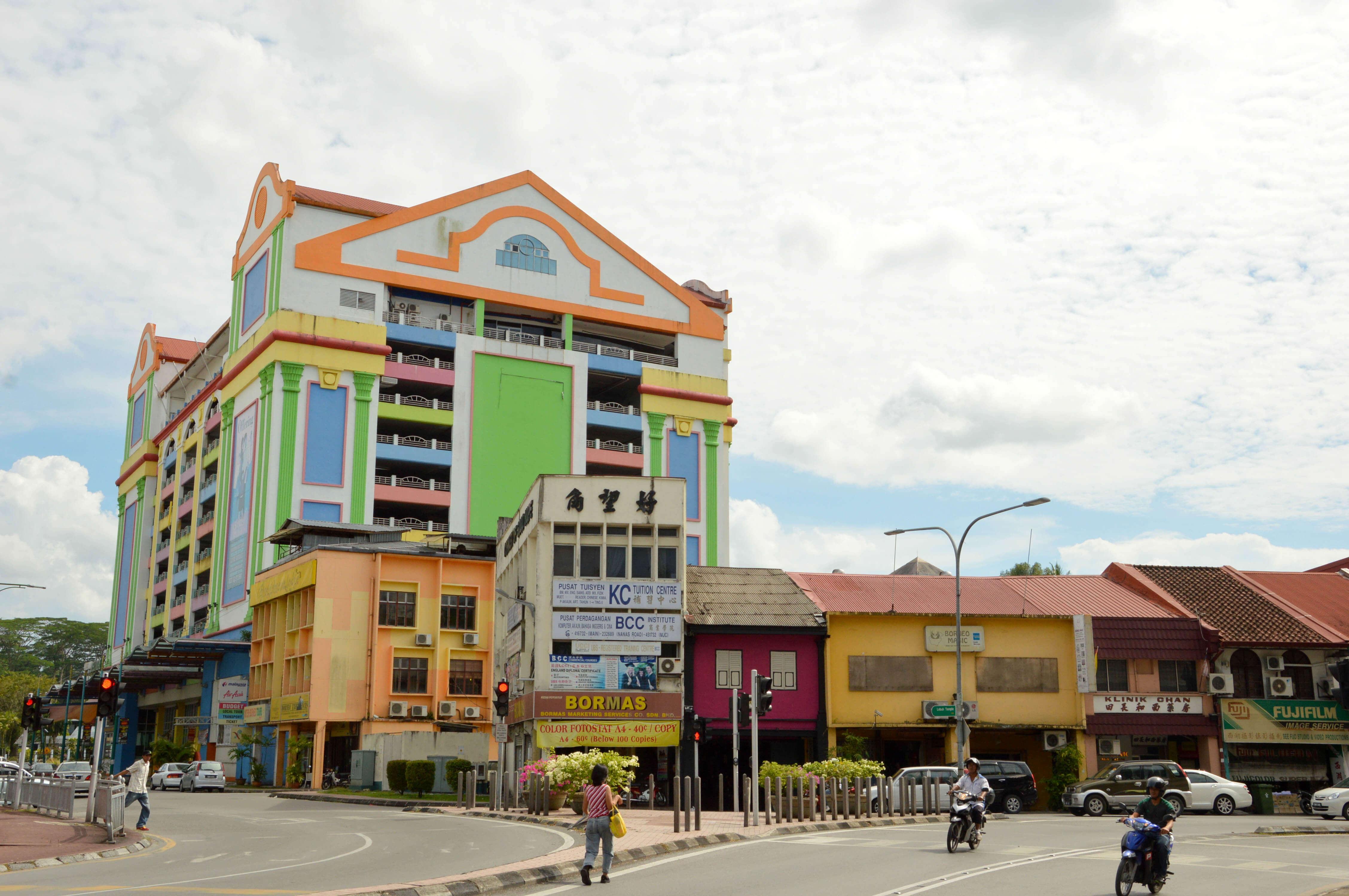 Waterfront Views and River Taxis at Kuching's Grand Margherita