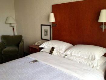 Guest room, Sheraton Cavalier Saskatoon Hotel, Saskatoon, Saskatchewan