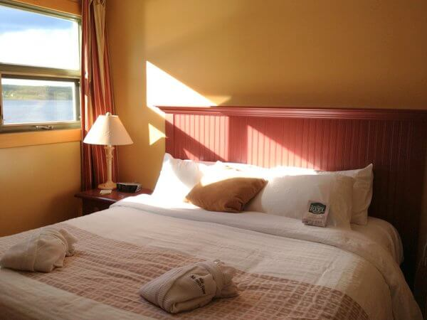 Bedroom, Rodd Miramichi River Hotel, Miramichi, New Brunswick