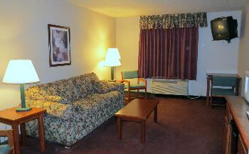de smet inn  king suite living room