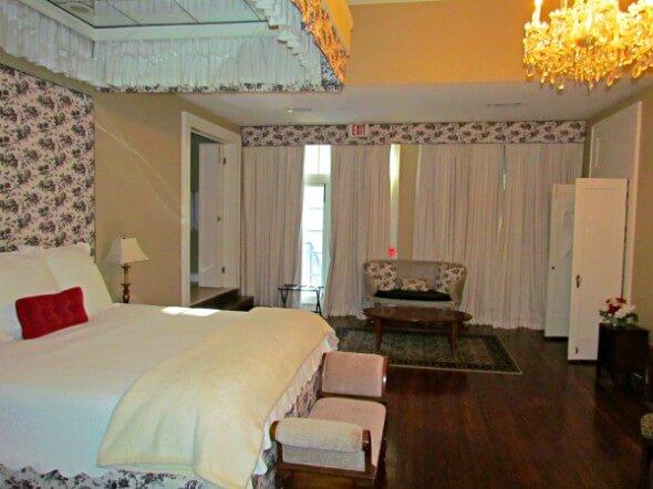 Annadele's Room 2