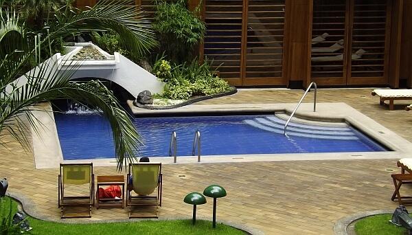 Swissotel Ecuador pool