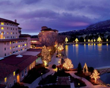 Broadmoor Hotel twinkling lights