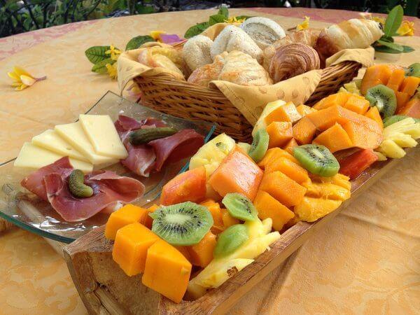 Breakfast, Fenua Mata'i'oa, Moorea, French Polynesia