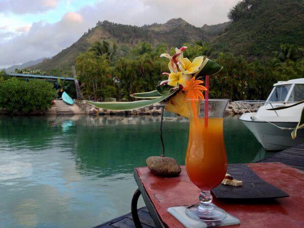 Welcome cocktail, Fenua Mata'i'oa, Moorea, French Polynesia