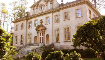 The Swan House, a Catching Fire movie location